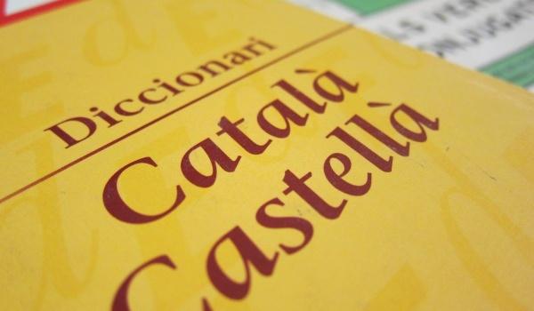 El problema del catalán no es la cooficialidad del castellano, ni los castellanohablantes, sino las injerencias de las instituciones españolas