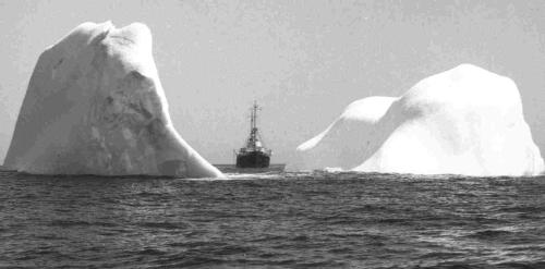 ship-iceberg